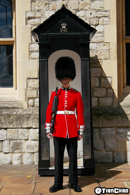 Samsung Global Blogger London tower London Bridge Soldier Guard Queen Coronation