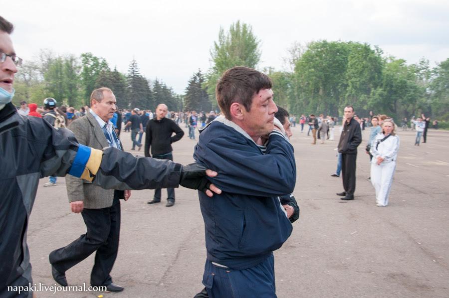 столкновения в одессе-120
