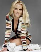 Britney Spears Minivestido Con Shorts Escote Y Botas Mosqueteras Blancas