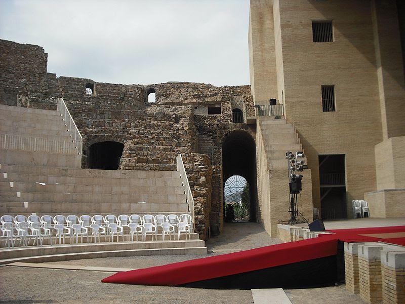 File:Sagunt. Teatre. Orchaestra.JPG