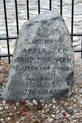 Johnny Appleseed Gravestone Photo, Click for full size