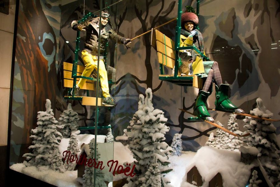 best-window-displays_holt-renfrew_2013_christmas_nothern-noel_12