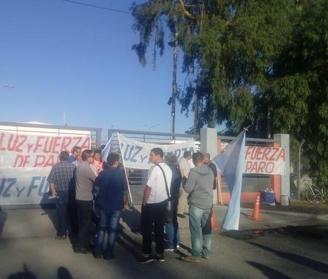 Sin atención en Energía San Juan por un paro total de empleados