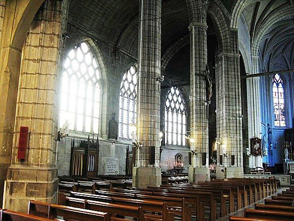 Eglise Ste Croix -- Nantes