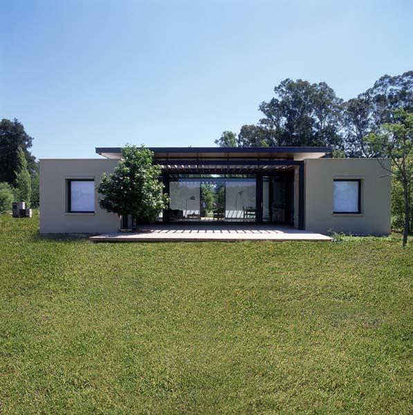 Casa en club de campo ping inos lacroze miguens prati for Blog de arquitectura
