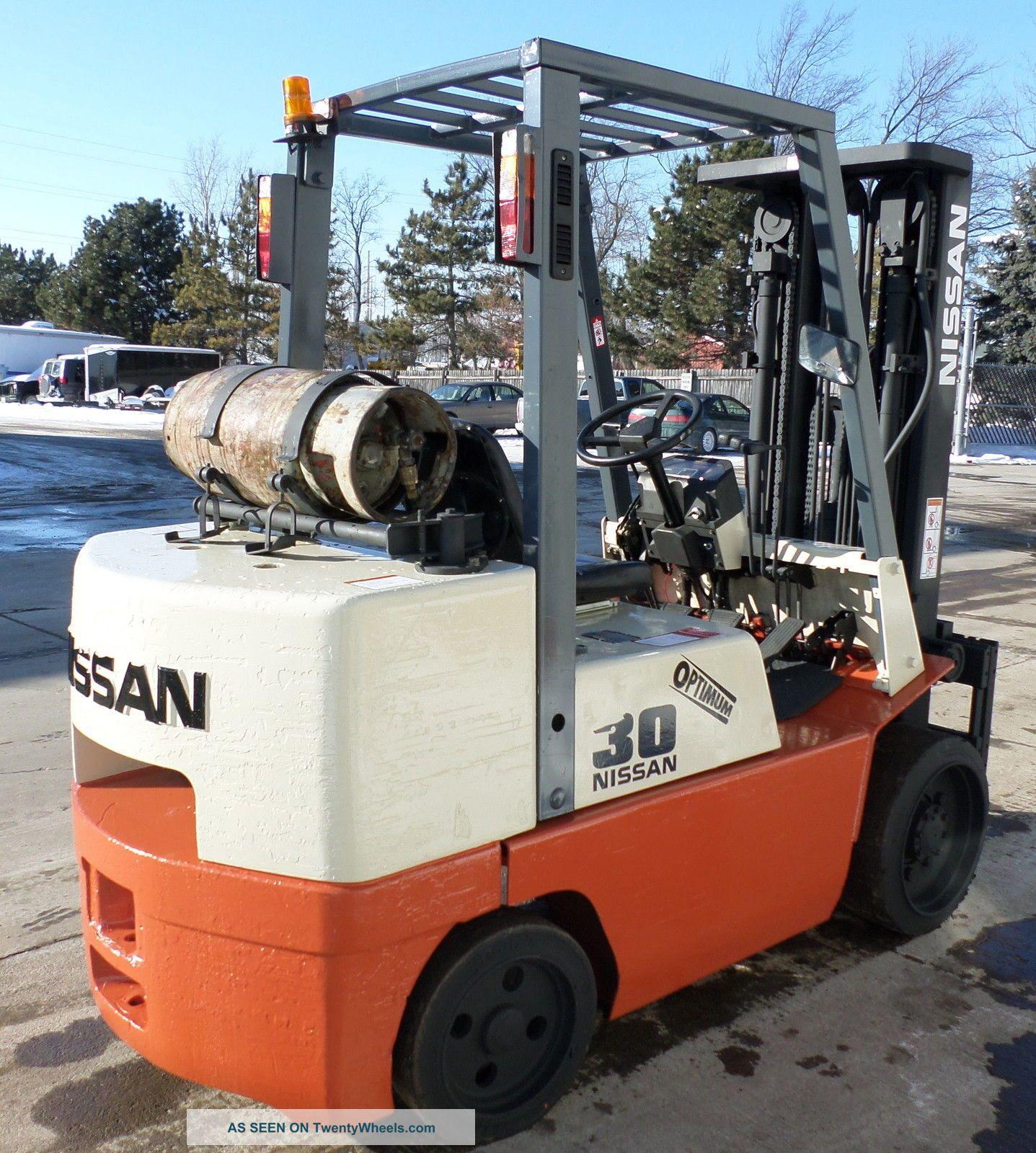 Nissan Optimum 30 Forklift