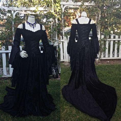 Discount Vintage Black Gothic Wedding Dresses A Line