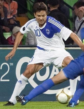 Finland-10-11-adidas-home-kit-white-white-white.JPG