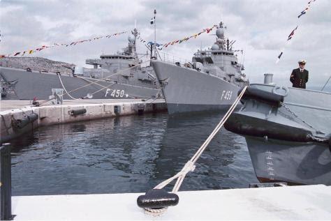 Αποσύρονται 47 αεροσκάφη, 11 πλοία του Στόλου ,400 άρματα! `Ξεσκαρτάρισμα` λόγω κρίσης
