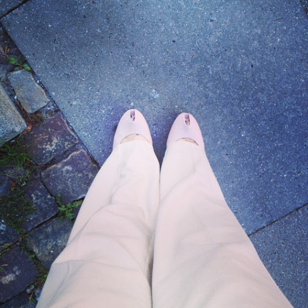 talking on the phone, chewing gum and wearing these shoes on cobblestones don't mix. #justsayin