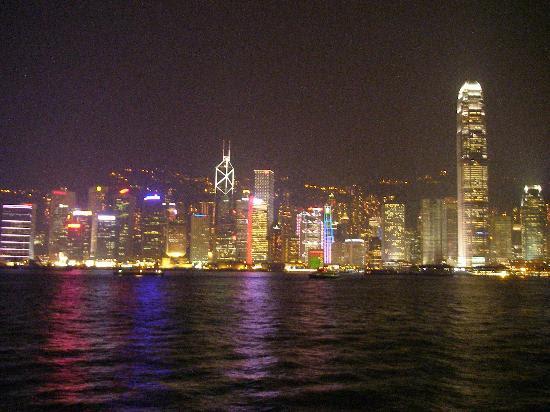 http://media-cdn.tripadvisor.com/media/photo-s/00/1b/55/0b/laser-show-on-hong-kong.jpg