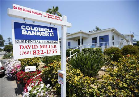 A single family home is shown for sale in Encinitas, California in this May 22, 2013 file photo. REUTERS/Mike Blake/Files