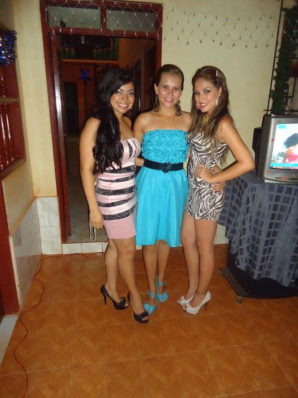 Marioly Giese junto con dos amigas.
