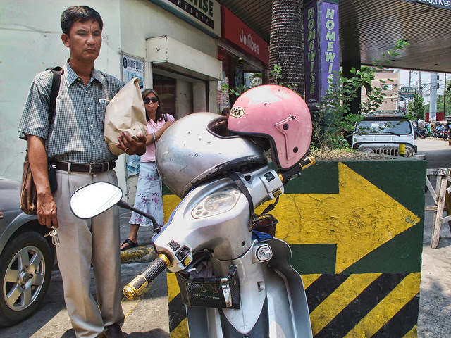 helmets kissing at cherry 052313
