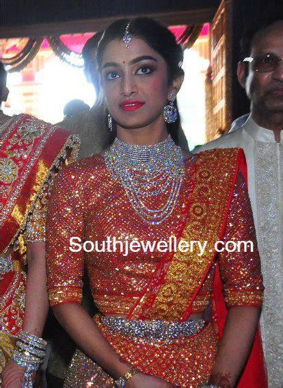 Veena Reddy's Sister in Diamond Jewellery   Jewellery Designs