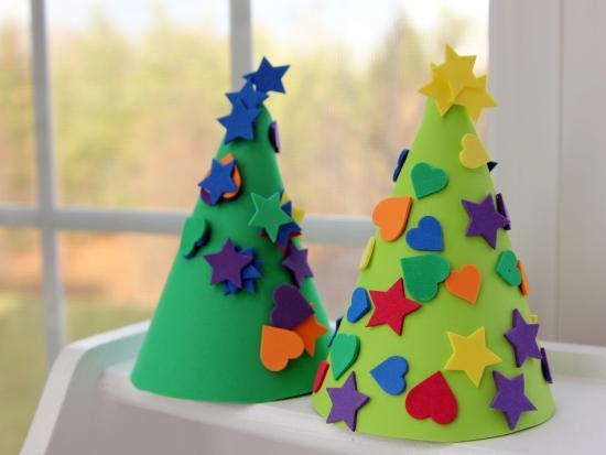 arbol navidad conico decorado