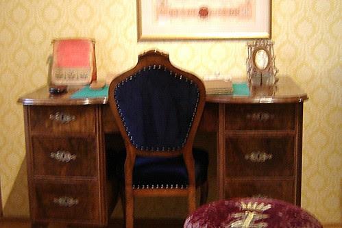 1800-luvun työpöytä by Anna Amnell