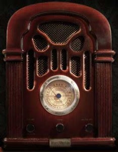 http://halloweenerrific.co.uk/wp-content/uploads/2011/09/spooky-radio-234x300.jpg