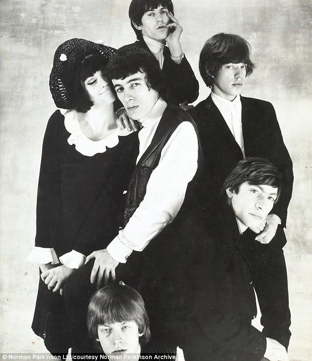 Rainha da revista Rolling Stones 1964 com Nicole de la Marge.jpg