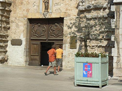 entrée de la basilique.jpg