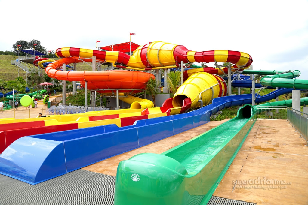 Take A Look At The World's Largest Legoland Water Park!   REALITYPOD
