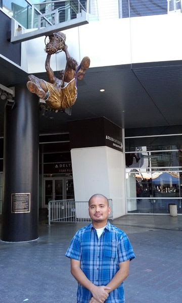 Posing with Shaquille O'Neal's new bronze statue at STAPLES Center in Los Angeles...on March 29, 2017.