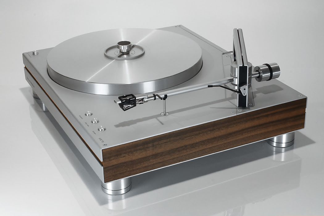 Turntable_PS2_Persp_Front
