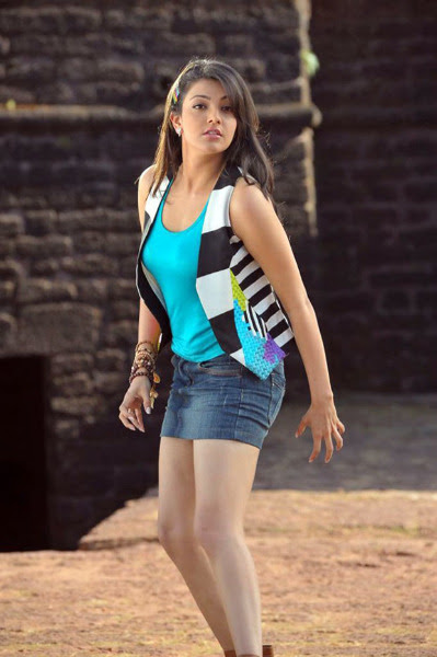 kajal agarwal latest hot photos 1532 Kajal Agarwal Hot Photos