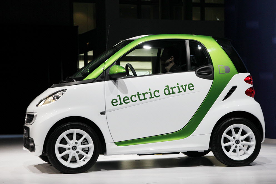 Mercedes: Electric Smart cars will replace gas-powered ...