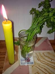 rituel attire argent avec la grande bougie vaudou Marabout Kokouvi.