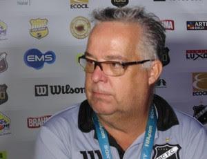 Josué Teixeira - técnico do ABC (Foto: Alexandre Filho/GloboEsporte.com)