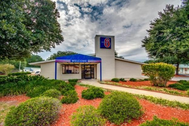 Budget Hotel in Florence (SC) : Knights Inn - Florence SC ...