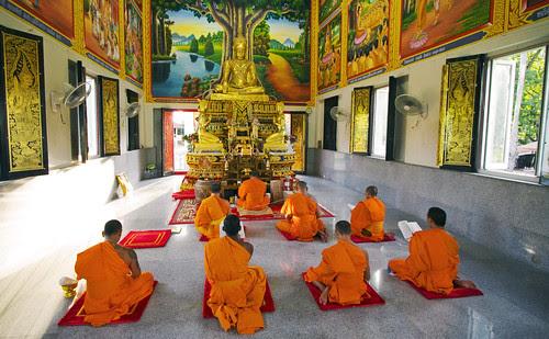 Naiharn Temple, Phuket