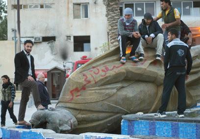 למורדים עדיין לא הגיע נשק נגד טנקים (צילום: MCT)