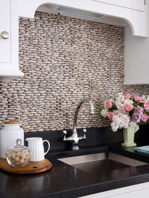 l-interieur:  mollygolly:  Always re-blog. This backsplash is beautiful!   (via imgTumble)