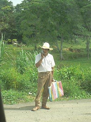 mexicain sur le bord de la route.jpg