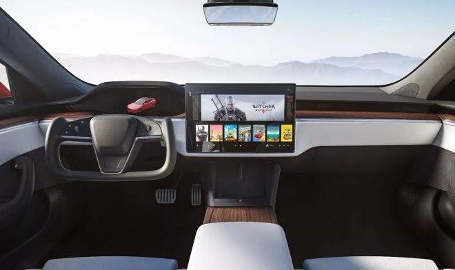 Tesla предлагает автомобилистам сменить привычный руль на футуристический штурвал