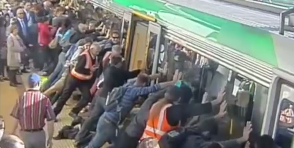 (via Commuters push a train off a trapped man in Perth: our faith in humanity is restored» Lost At E Minor: For creative people)