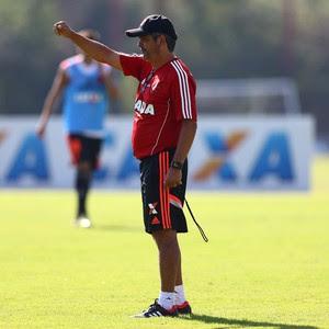 Ney Franco comanda treino do Flamengo (Foto: Divulgação/Flamengo)