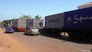 porta-contentores em Bissau