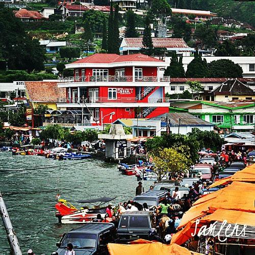 Red hotel - full water season Sarangan lake, Magetan, East Java, Indonesia #traveling  #lake #water #hotel #instatravel  #instagram  #instaphotoesia  #webstapick  #eastjava #java #indonesia by be.samyono