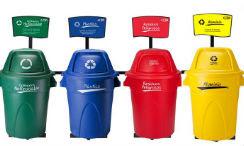 Salve el planeta utilizando las canecas para reciclar