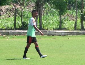 Léo Moura, Flamengo, Treino de falta (Foto: Jessica Mello)
