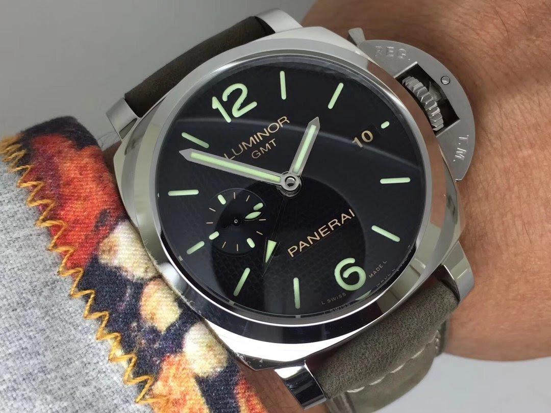 PAM 535 Wrist Shot 3