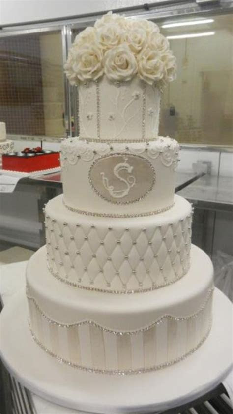 Cake Boss wedding cake!!   Yum!!!!!!   Pinterest   Cake