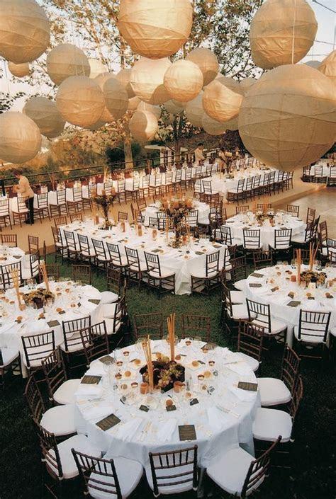 40 Round Wedding Table Decor Ideas You?ll Love   Rustic
