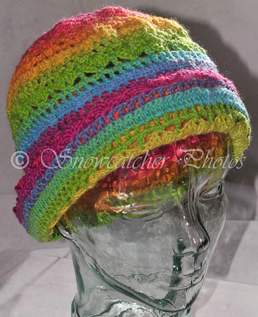 Rolled-brim hat or tuque