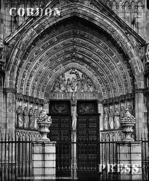 Puerta del Perdón de la Catedral de Toledo hacia 1875-80. © Léon et Lévy / Cordon Press - Roger-Viollet