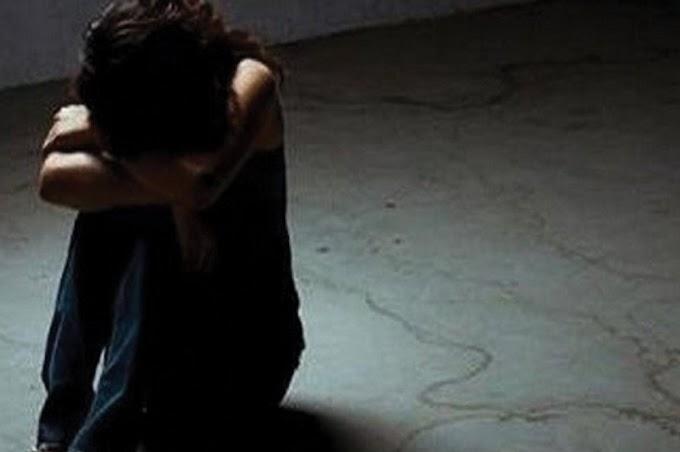 Xειροπέδες σε 47χρονο – Κατηγορείται ότι βίαζε την ανήλικη θετή κόρη του