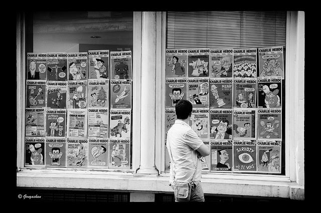 Charlie Hebdo en vitrine - Credit Gongashan (Creative Commons)
